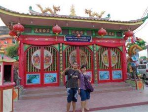 paket wisata singkawang vihara tri dharma bumi raya